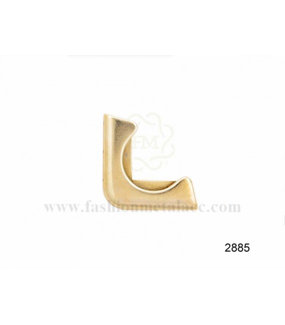 Apply corner piece 2885